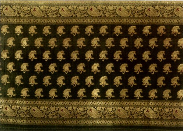silk_and_gold-wrapped_silk_yarn_with_supplementary_weft_brocade